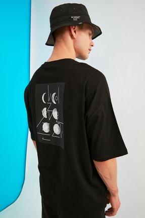 TRENDYOL MAN Siyah Erkek Kısa Kollu Sırt Baskılı Oversize T-Shirt TMNSS21TS0617 0