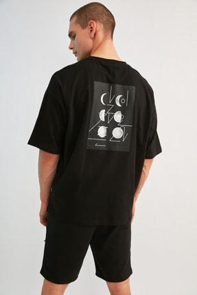 TRENDYOL MAN Siyah Erkek Kısa Kollu Sırt Baskılı Oversize T-Shirt TMNSS21TS0617 3