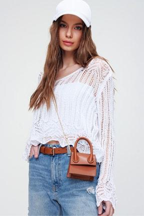 Trend Alaçatı Stili Kadın Beyaz V Yaka Ajurlu Crop Bluz ALC-X5913 1