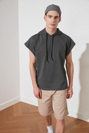 TRENDYOL MAN Antrasit Erkek Oversize Fit Kısa Kollu Kapüşonlu Sweatshirt TMNSS20SW0148 1