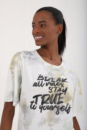 Tommy Life Sarı Kadın Yazı Baskılı Batik Desenli Oversize O Yaka T-shirt - 97125 3