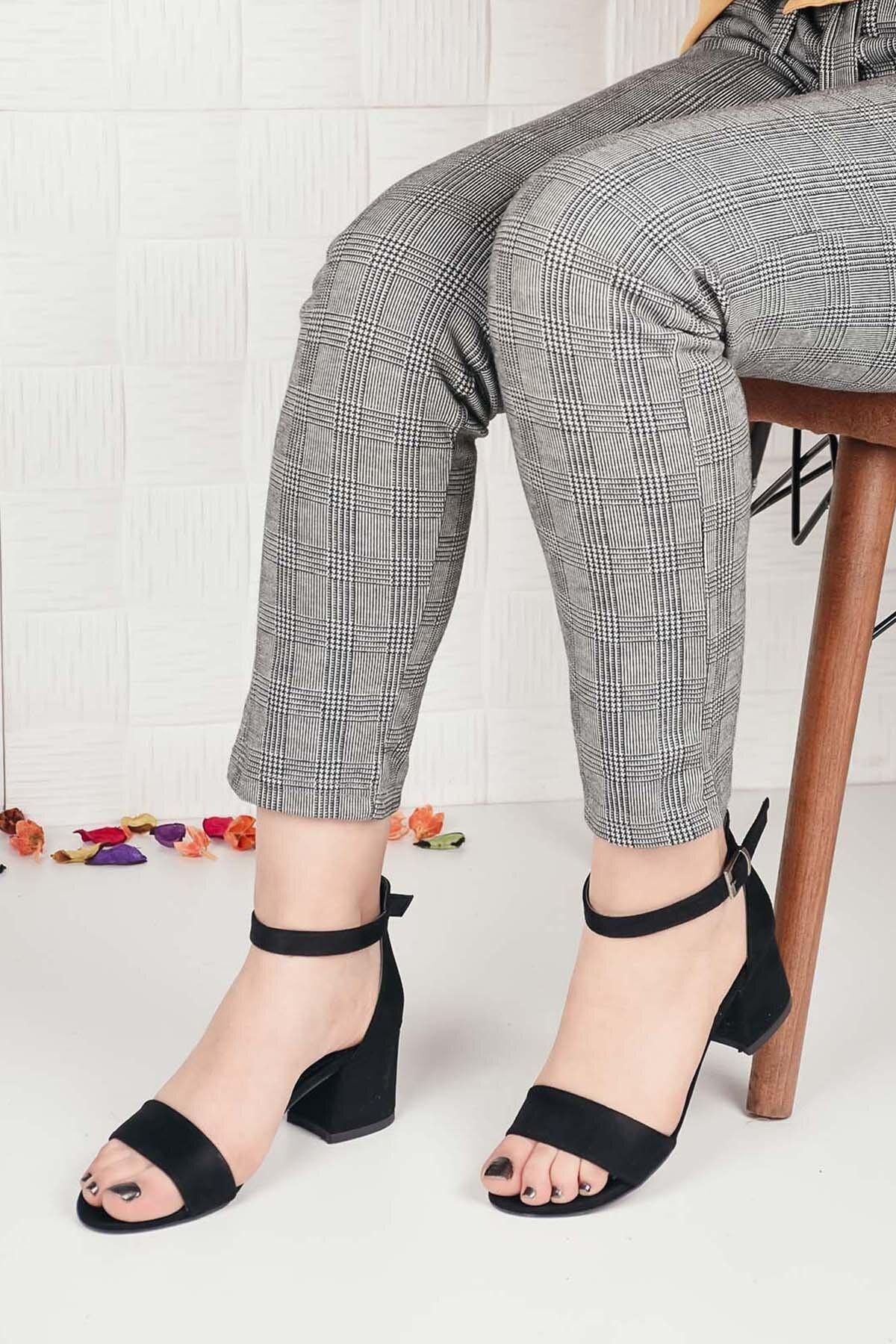 Kadın Siyah Süet Tek Bant Kalın Topuklu Ayakkabı Ba20516