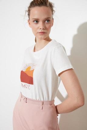تصویر از Ekru Baskılı Basic Örme T-Shirt TWOSS21TS0056