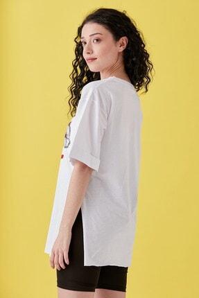 Burchlife Kadın Beyaz Bisiklet Baskılı Duble Kol Yanı Yırtmaçlı T-Shirt 3