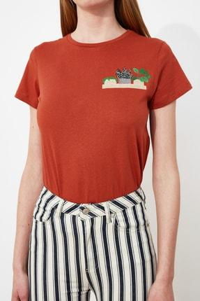 TRENDYOLMİLLA Kiremit Nakışlı Basic Örme T-Shirt TWOSS19PB0013 2