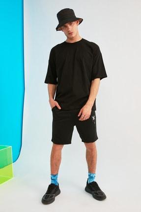 TRENDYOL MAN Siyah Erkek Kısa Kollu Sırt Baskılı Oversize T-Shirt TMNSS21TS0617 4