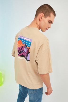 TRENDYOL MAN Taş Erkek Oversize Bisiklet Yaka Kısa Kollu Baskılı T-Shirt TMNSS21TS1227 0