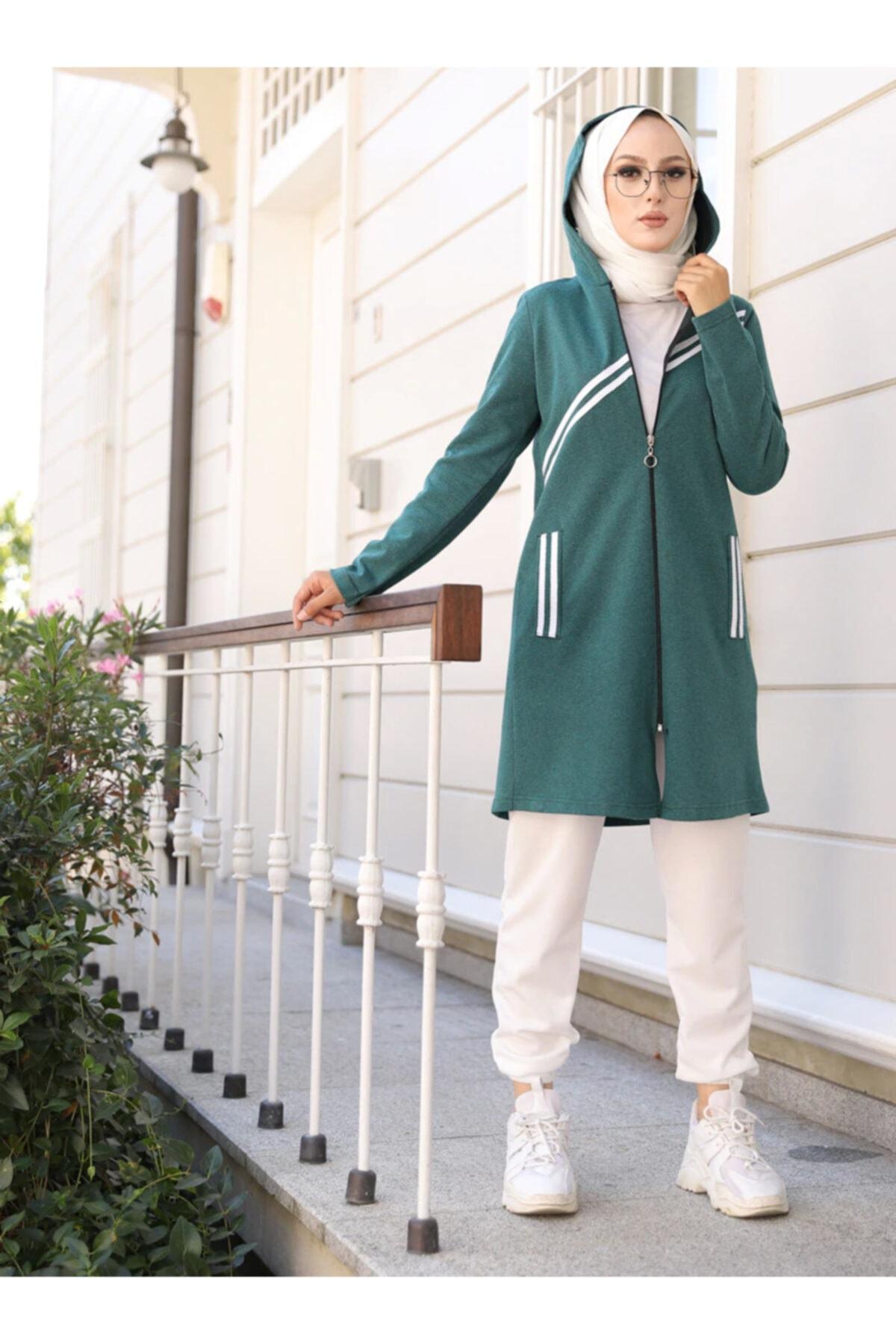 Kadın Zümrüt Yeşil Kapüşonlu Şerit Detaylı Spor Kap