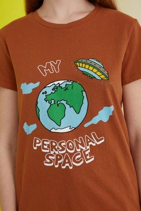 TRENDYOLMİLLA Camel Baskılı Basic Örme T-Shirt TWOSS21TS0301 2