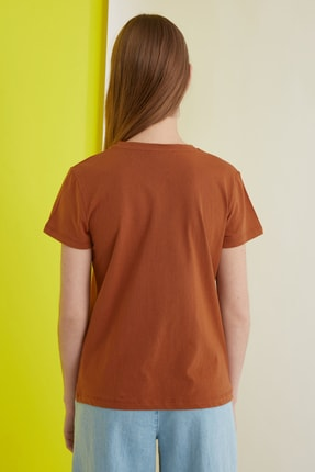 TRENDYOLMİLLA Camel Baskılı Basic Örme T-Shirt TWOSS21TS0301 3