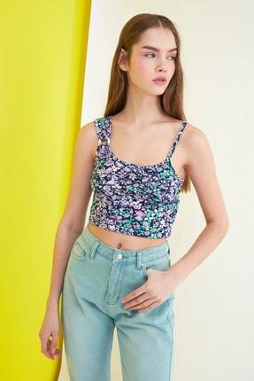 TRENDYOLMİLLA Siyah Çiçek Baskılı Örme Bluz TWOSS21BZ0907 0
