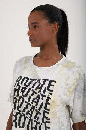 Tommy Life Sarı Kadın Yazı Baskılı Batik Desenli Oversize O Yaka T-shirt - 97126 3