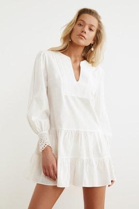 TRENDYOLMİLLA Beyaz Manşet Detaylı Dokuma Plaj Elbisesi TBESS21EL1086 0