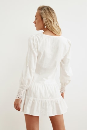 TRENDYOLMİLLA Beyaz Manşet Detaylı Dokuma Plaj Elbisesi TBESS21EL1086 3