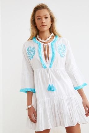 TRENDYOLMİLLA Beyaz Boncuk Nakışlı Vual Plaj Elbisesi TBESS21EL1351 4