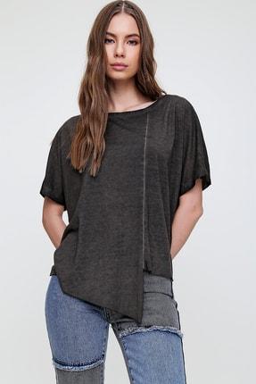 Trend Alaçatı Stili Kadın Antrasit Asimetrik Kesim Yıkamalı T-Shirt MDA-1128 2