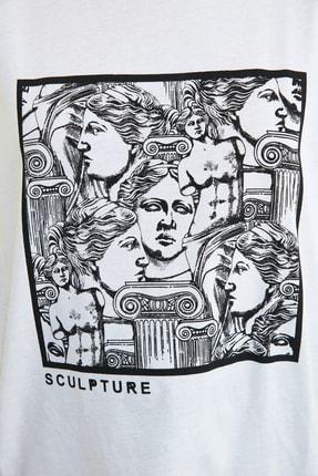 TRENDYOLMİLLA Beyaz Baskılı Loose Kalıp Örme T-Shirt TWOSS20TS0110 3