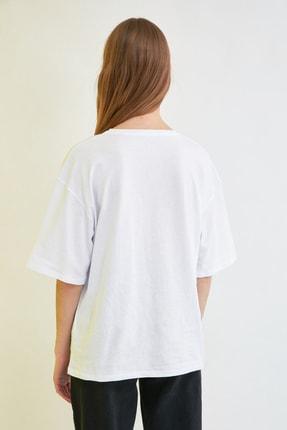 TRENDYOLMİLLA Beyaz Baskılı Loose Kalıp Örme T-Shirt TWOSS20TS0110 4