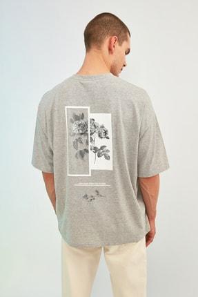 TRENDYOL MAN Gri Erkek Oversize Bisiklet Yaka Baskılı Kısa Kollu T-Shirt TMNSS21TS1223 4