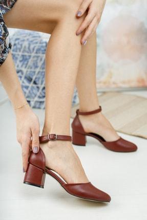 MERVE BAŞ Bordo Cilt Bilekten Tek Bant Kalın Topuklu Klasik Ayakkabı 1