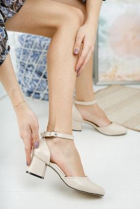 MERVE BAŞ ® Krem Rengi Cilt Bilekten Tek Bant Kalın Topuklu Klasik Ayakkabı 2