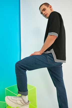 TRENDYOL MAN Siyah Erkek Oversize Şerit Detaylı Sweatshirt TMNSS21SW0243 1