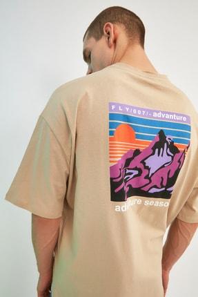 TRENDYOL MAN Taş Erkek Oversize Bisiklet Yaka Kısa Kollu Baskılı T-Shirt TMNSS21TS1227 2