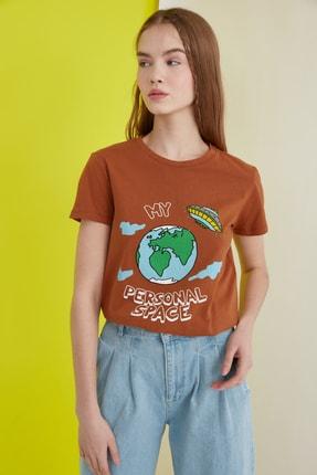 TRENDYOLMİLLA Camel Baskılı Basic Örme T-Shirt TWOSS21TS0301 0
