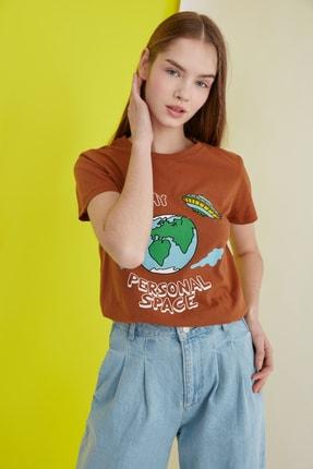TRENDYOLMİLLA Camel Baskılı Basic Örme T-Shirt TWOSS21TS0301 1