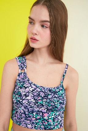 TRENDYOLMİLLA Siyah Çiçek Baskılı Örme Bluz TWOSS21BZ0907 1