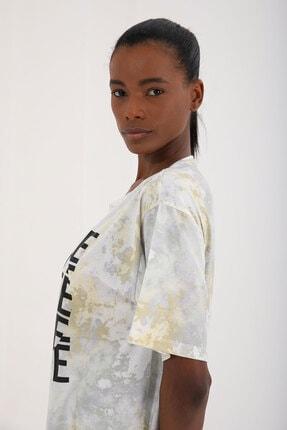 Tommy Life Sarı Kadın Yazı Baskılı Batik Desenli Oversize O Yaka T-shirt - 97126 2