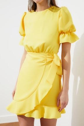 TRENDYOLMİLLA Sarı Sırt Detaylı Elbise TPRSS21EL1435 4