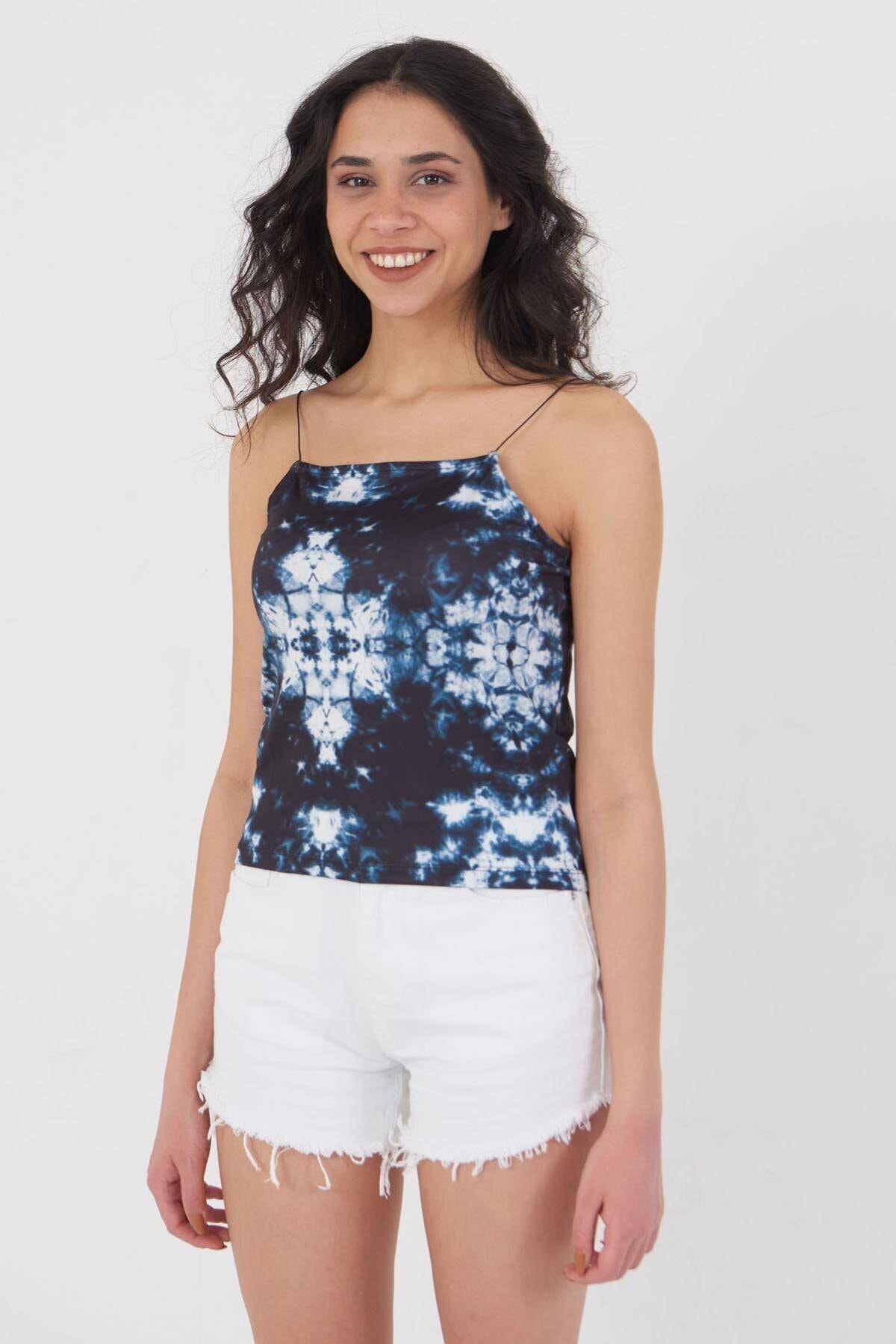 Addax Kadın Batik Ince Askılı Bluz P12237 - T8 Adx-0000023905 0