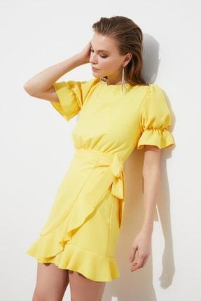TRENDYOLMİLLA Sarı Sırt Detaylı Elbise TPRSS21EL1435 2