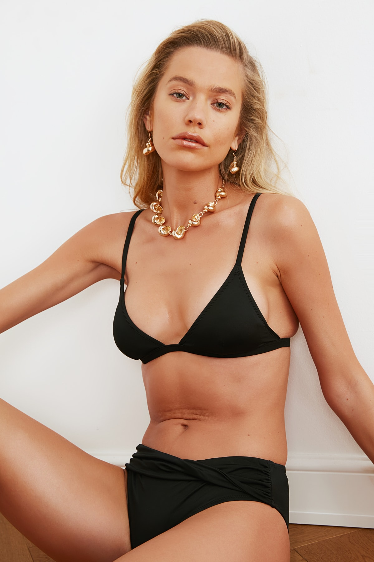 Bikini Üstü