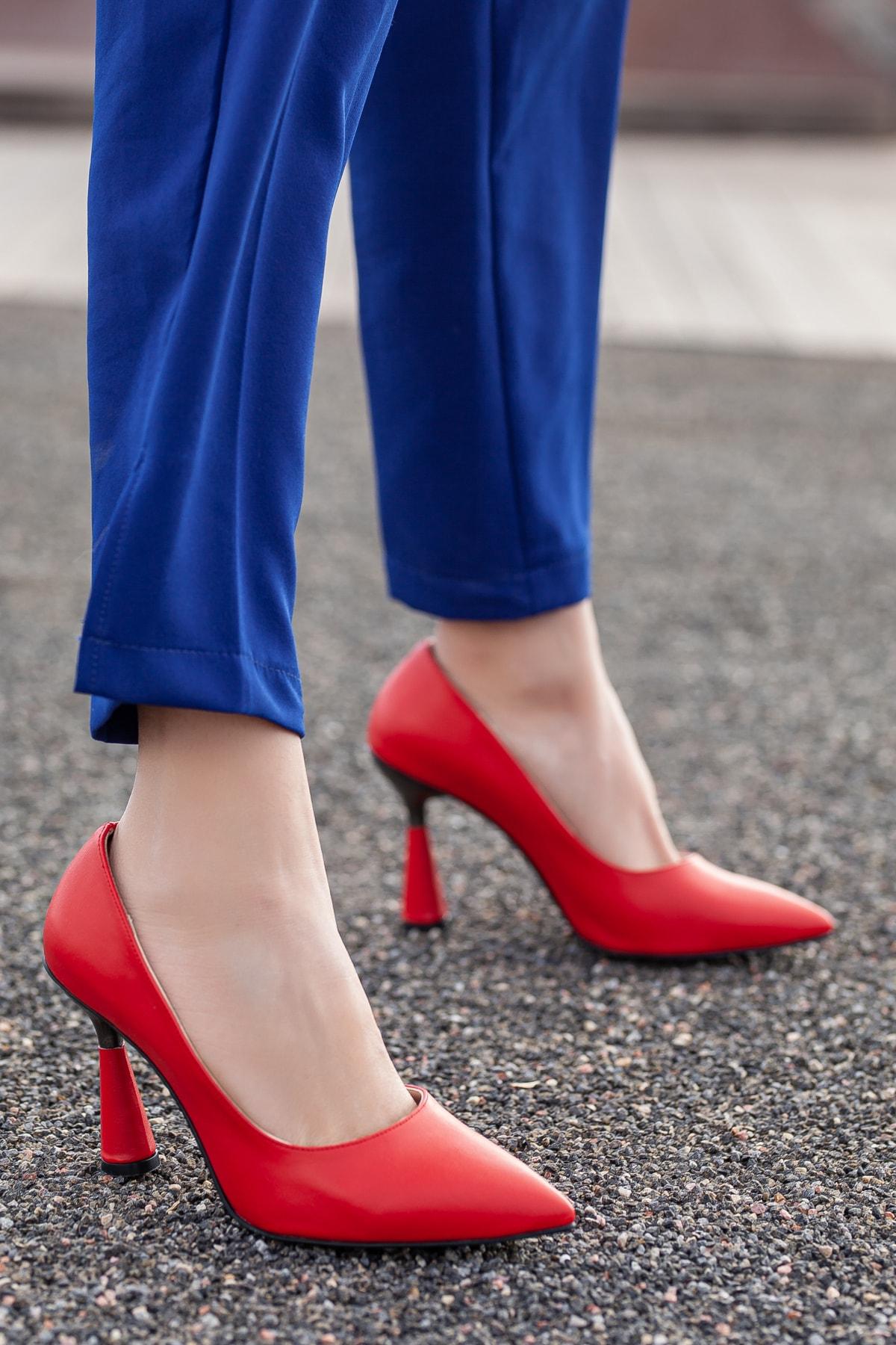 Kadın Kırmızı Günlük Klasik Topuklu Ayakkabı D2053