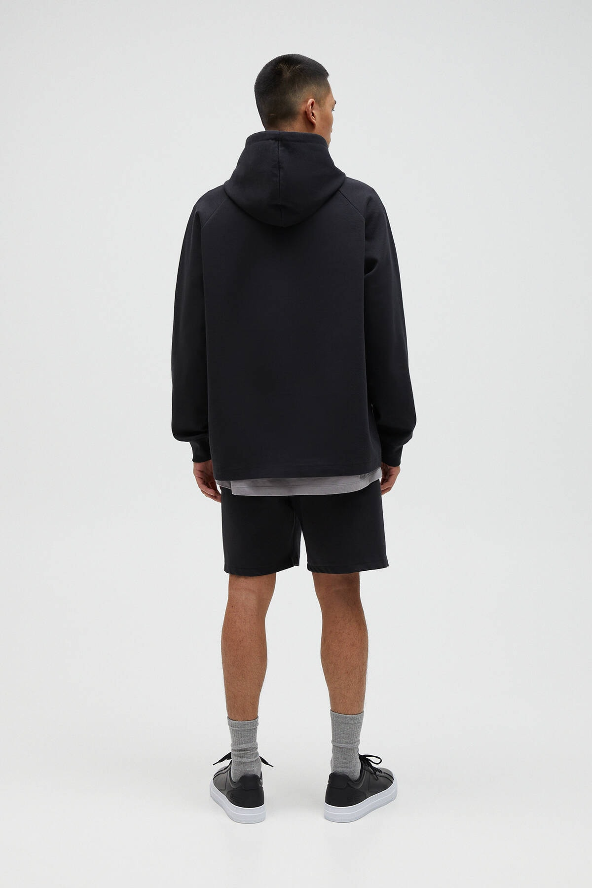 Pull & Bear Erkek Siyah Basic Comfort Fit Kapüşonlu Sweatshirt - En Az %75 Organik Pamuklu 04592900 3