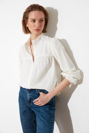 Picture of Beyaz Dik Yaka Gömlek TWOSS21GO0138