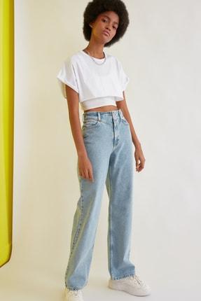 TRENDYOLMİLLA Beyaz Süper Crop Örme T-Shirt TWOSS21TS0091 1