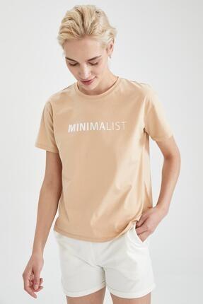 Defacto Kadın Bej Slogan Baskılı Pamuklu Relax Fit Kısa Kollu Tişört 4