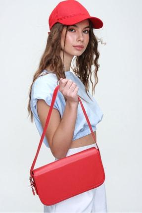 Trend Alaçatı Stili Kadın Kırmızı Dikdörtgen Şekil Suni Deri Omuz Çantası ALC-A2169 1