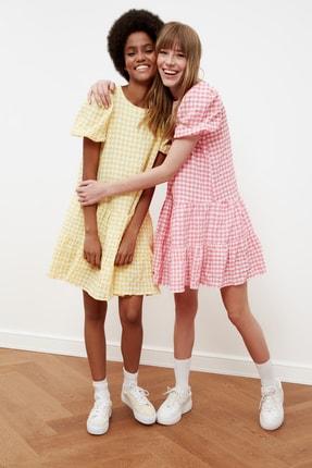 TRENDYOLMİLLA Sarı Kareli Balon Kollu Elbise TWOSS21EL1570 1