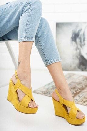 Ayakkabı Ateşi Hardal Rengi Çapraz Yandan Ayarlanabilir 12cm Dolgu Topuklu Ayakkabı 1