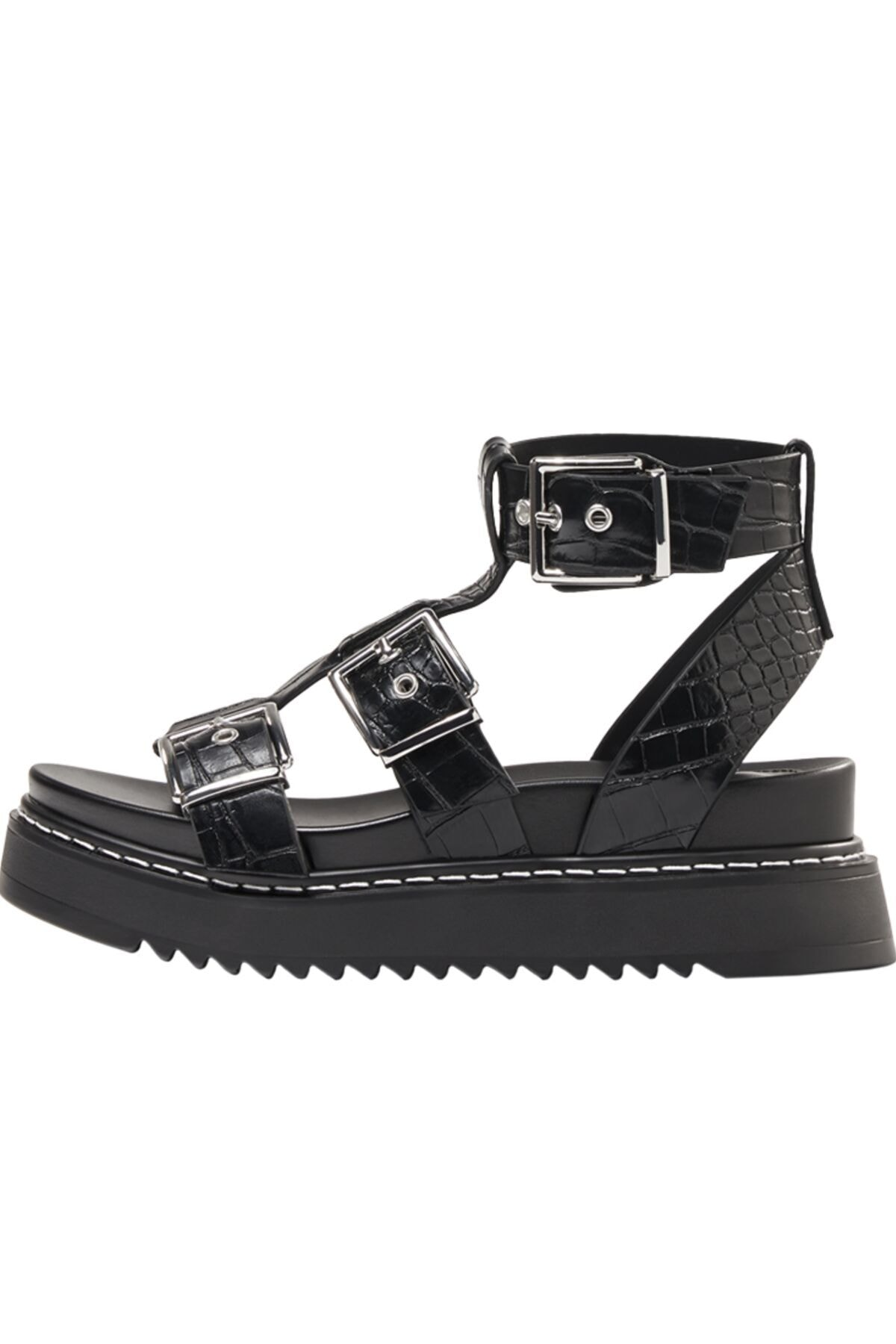 Bershka Kadın Tokalı Ve Kabartma Desenli Platform Sandalet. 2
