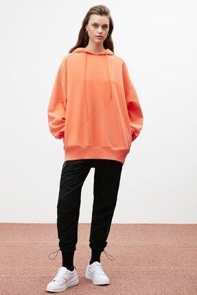 GRIMELANGE VIENNA Kadın Nar Çiçeği Ekstra Oversize Yan Cepli Kapüşonlu Sweatshirt 1