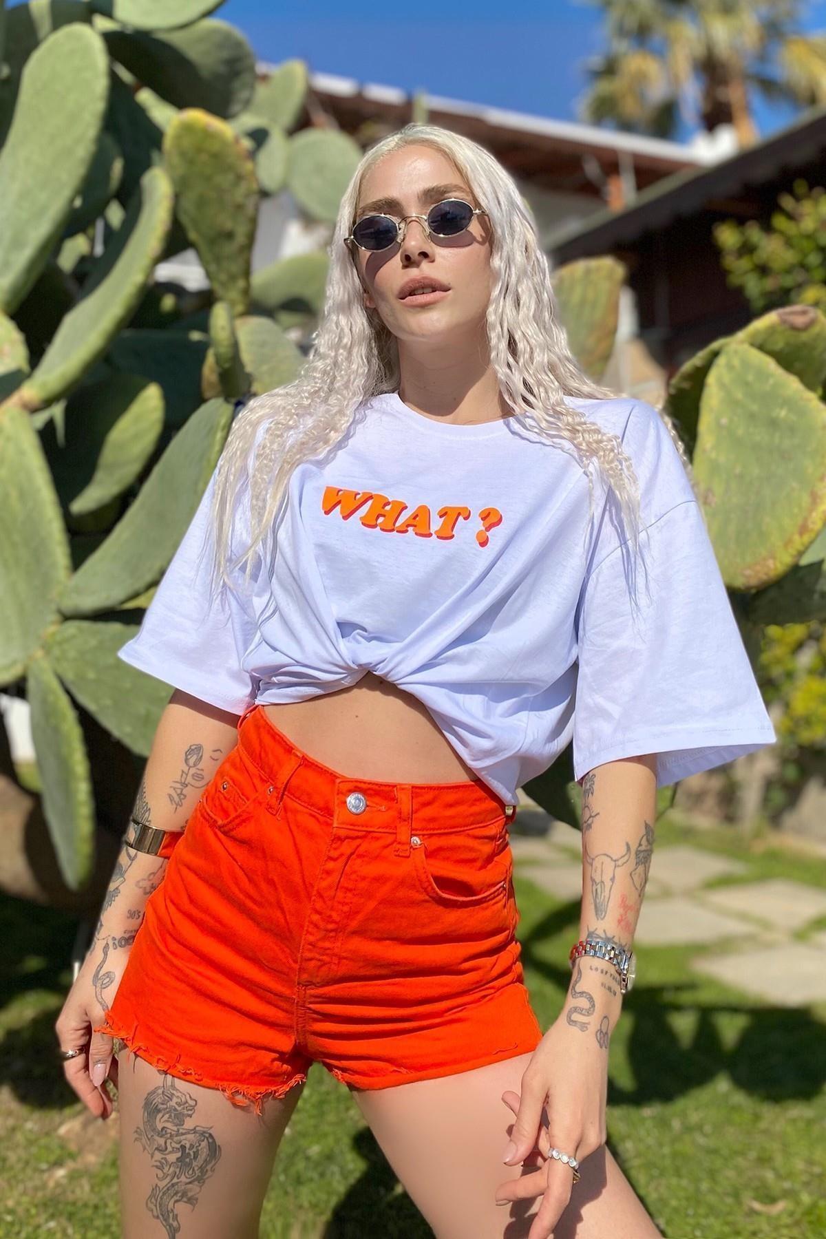 Kadın Beyaz What Baskılı Bisiklet Yaka Tshirt