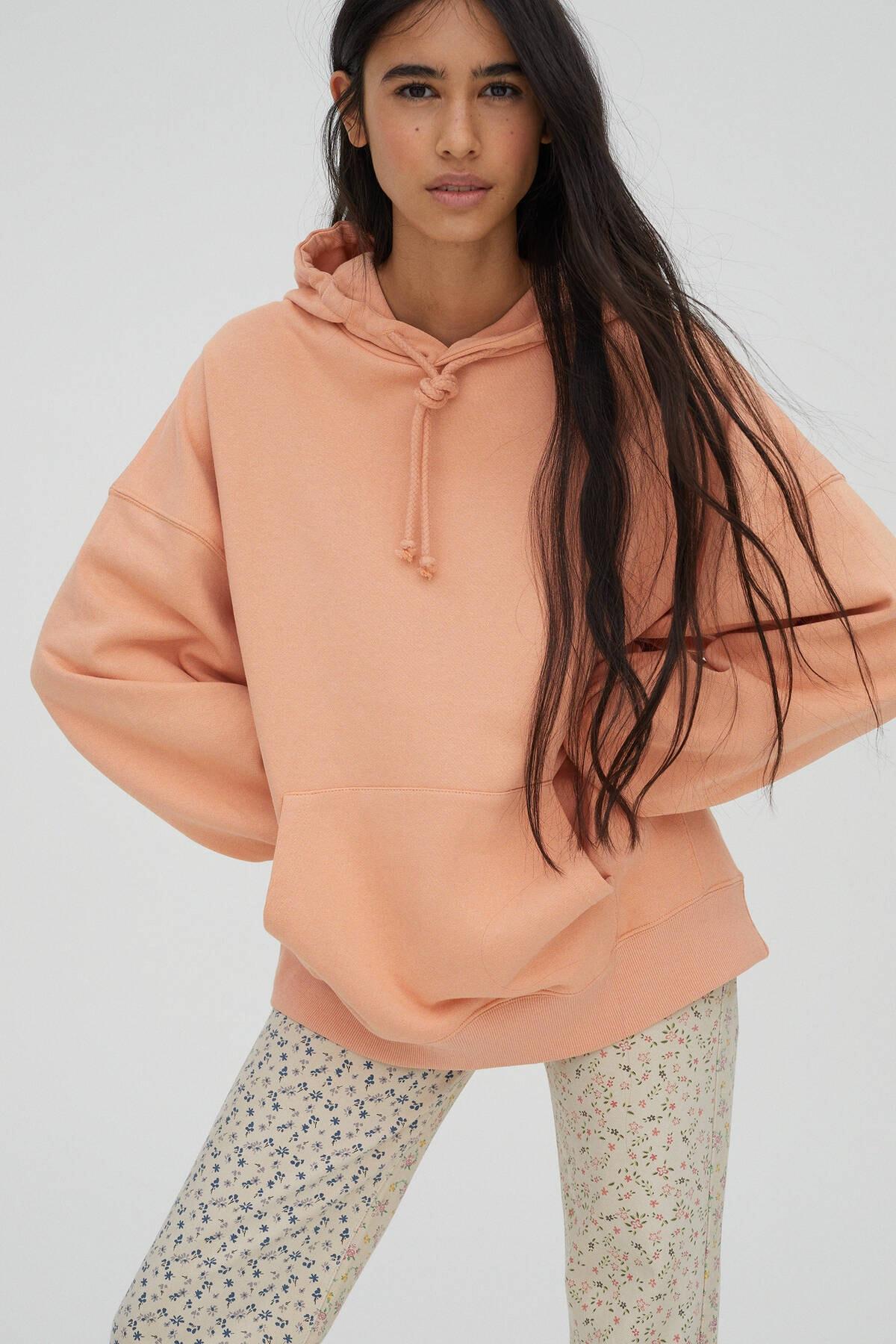 Pull & Bear Kadın Açık Somon Kanguru Cepli Kapüşonlu Oversize Sweatshirt 04591369 3