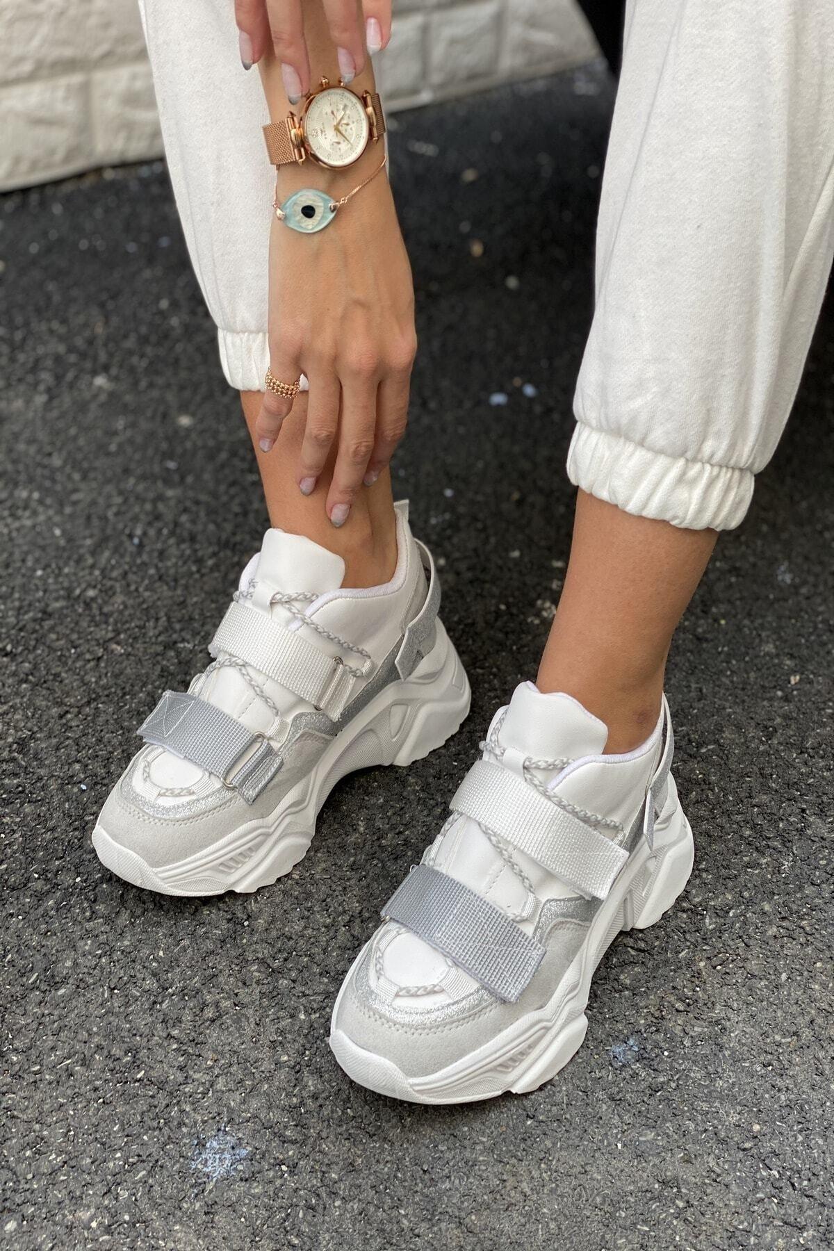 Kadın Beyaz Gri Bantlı Kalın Taban Sneakers