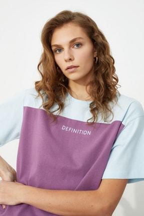 TRENDYOLMİLLA Açık Mavi Baskılı Boyfriend Örme T-Shirt TWOSS21TS0061 2