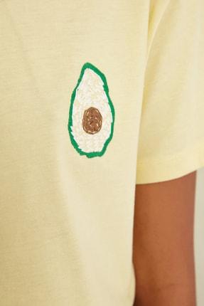 TRENDYOLMİLLA Sarı Semifitted Baskılı Örme T-Shirt TWOSS21TS0338 2
